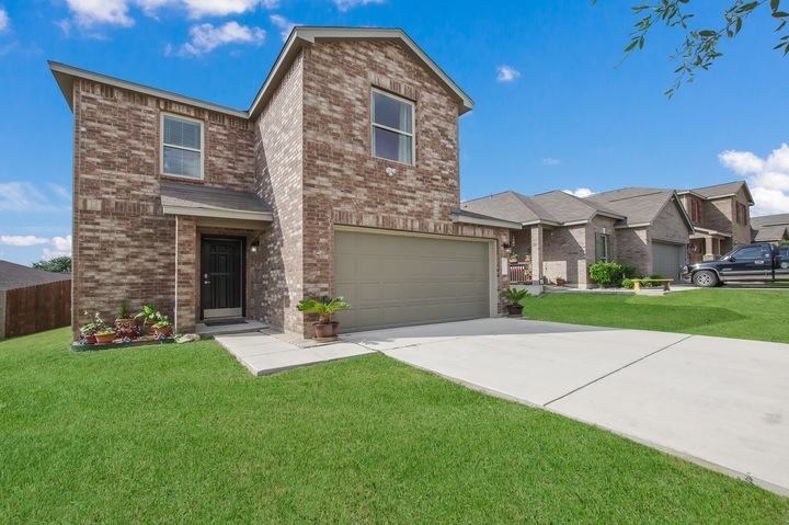 NEW! Gorgeous Home Near DownTown (Riverwalk/Alamo). BMT Grad Favorite!